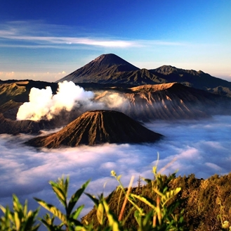 Mount bromo hiking tour